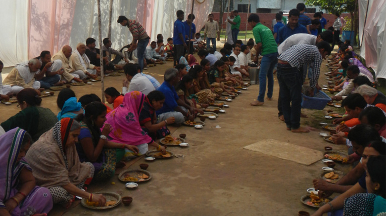Guests were served a meal, known as prasad or blessed food